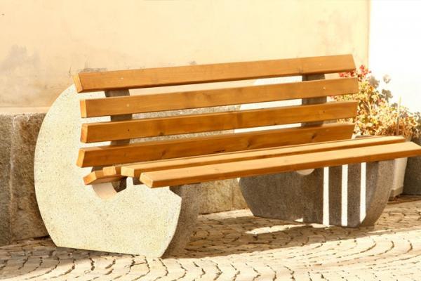 Arredi per esterni - Palme con il cui legno si fanno sedie e tavoli ...